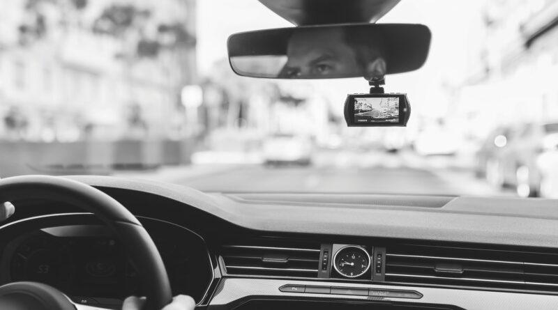 Milyen menetrögzítő autós kamerát vegyek?