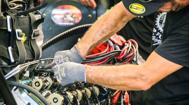Benzinmotoros kerti gépek javítása: hogyan ússzuk meg a szerelőt?